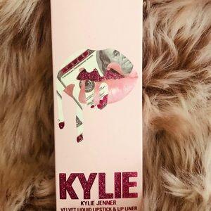 "Kylie Cosmetics Makeup - 💰New Kylie Cosmetics ""Kylie"" Birthday Lip Kit 💰"